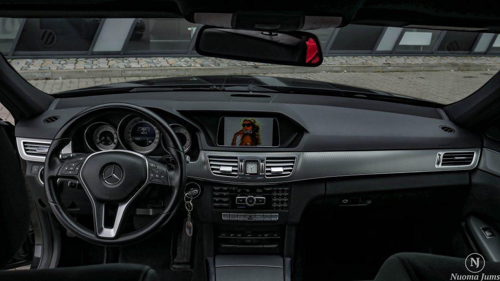 Automobilių nuoma su vairuotoju