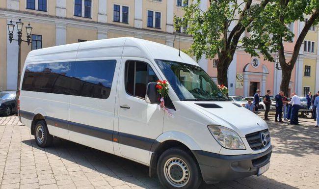 Keleivinių mikroautobusų nuoma vestuvems