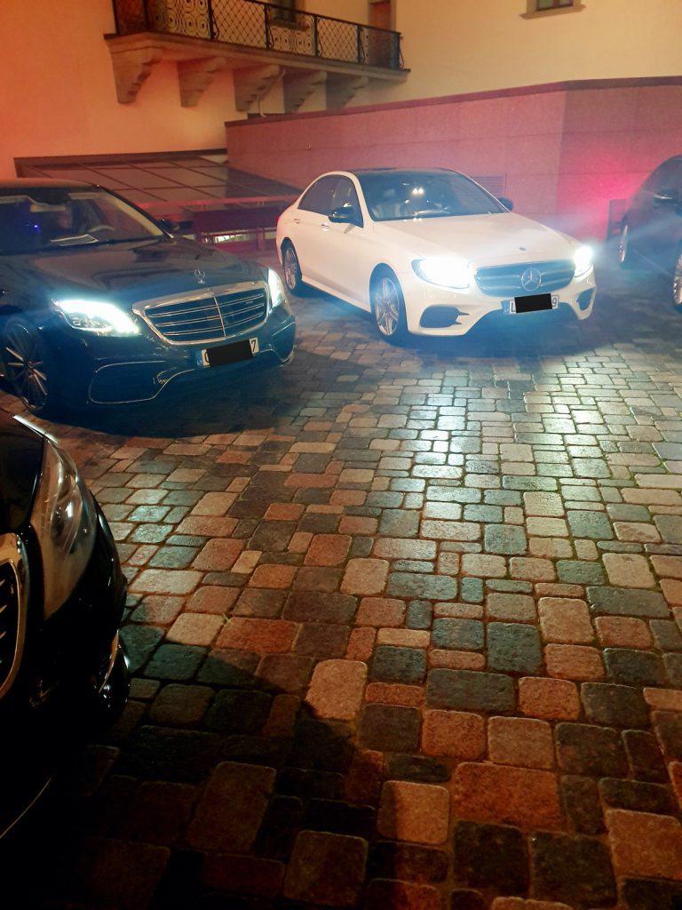 Prabangių automobilių nuoma tamsoje