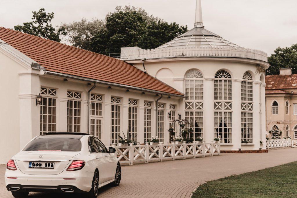Prabangių automobilių nuoma vestuvems